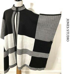 NEW Jones Studio Black & White Knit Poncho Size 1X
